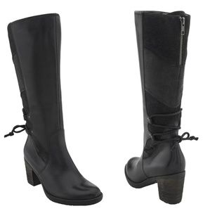 Chic & Comfortable Black Boots by Earth